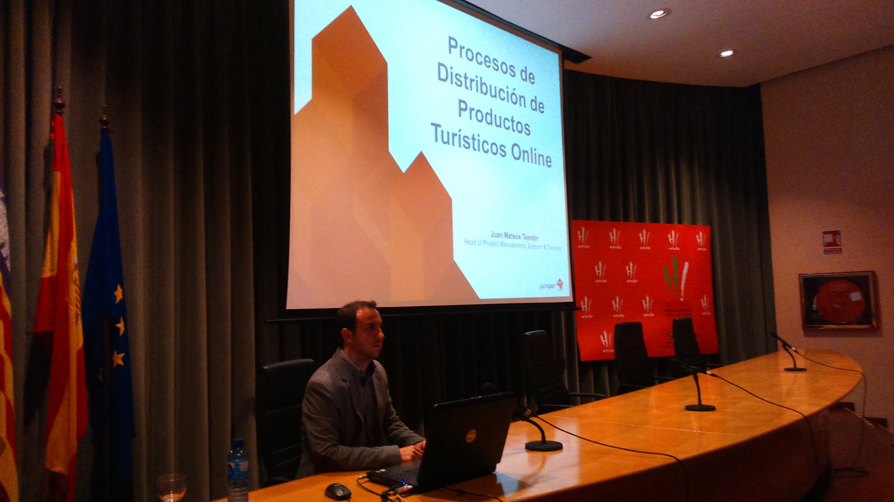 Juan Mateos speaks at the Faculty of Hospitality and Tourism